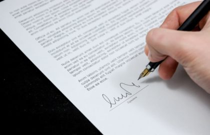 10 Email Signature Tips to Look Professional at Work