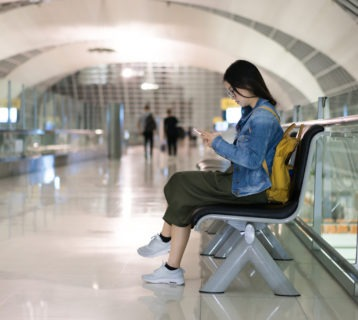 5 Easy Ways to Kill Time at an Airport