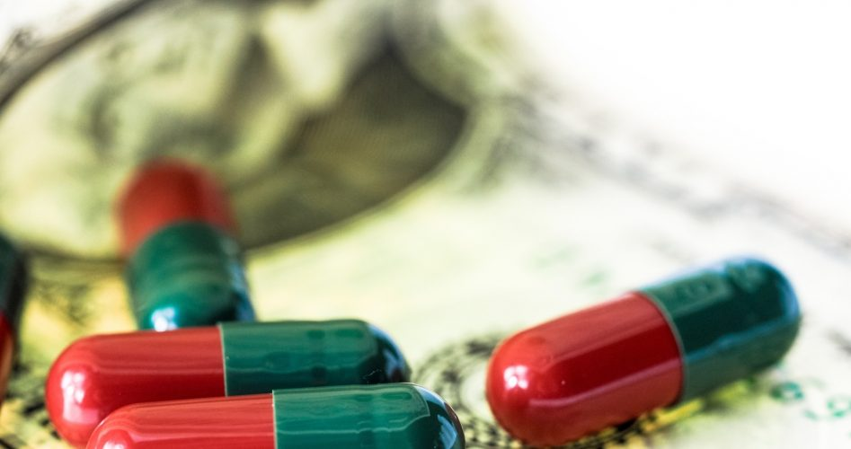 7 Ways to Save on Prescription Drugs Without Insurance