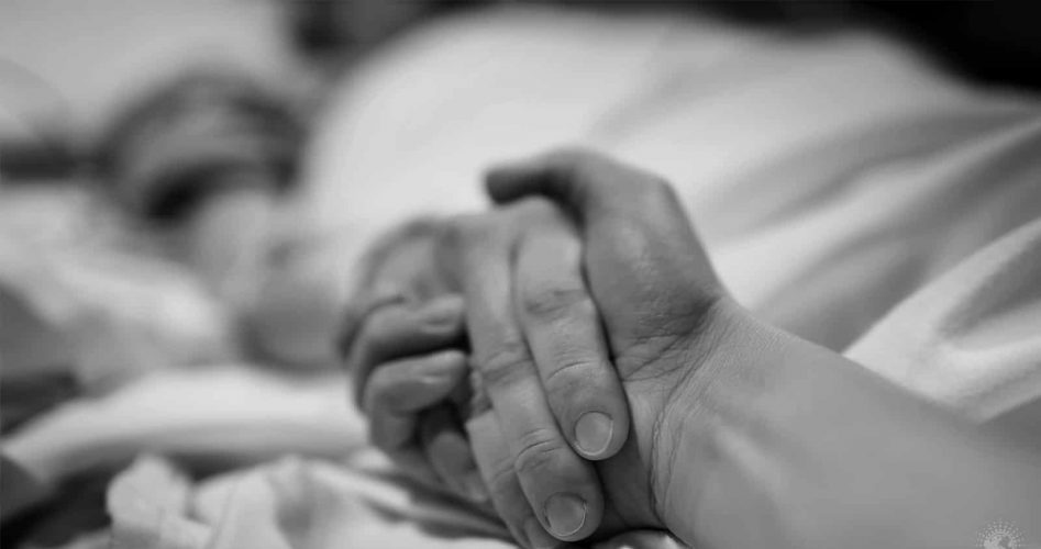 Hospice Nurses Reveal 5 Regrets That People Make on Their