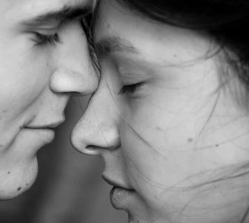 15 Signs Your Relationship is at a Turning Point (for